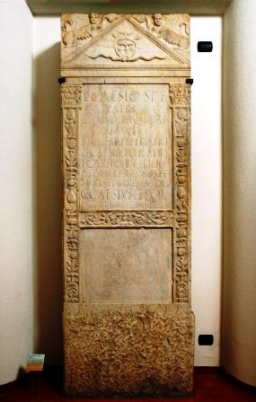 Stele di Caio Cesio, rinvenuta a Corneliano d'Alba