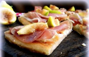 Pizza-al-Farro-con-Fichi-e-Prosciutto[1]