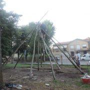 Fasi di realizzazione della capanna - impianto dei pali radiali