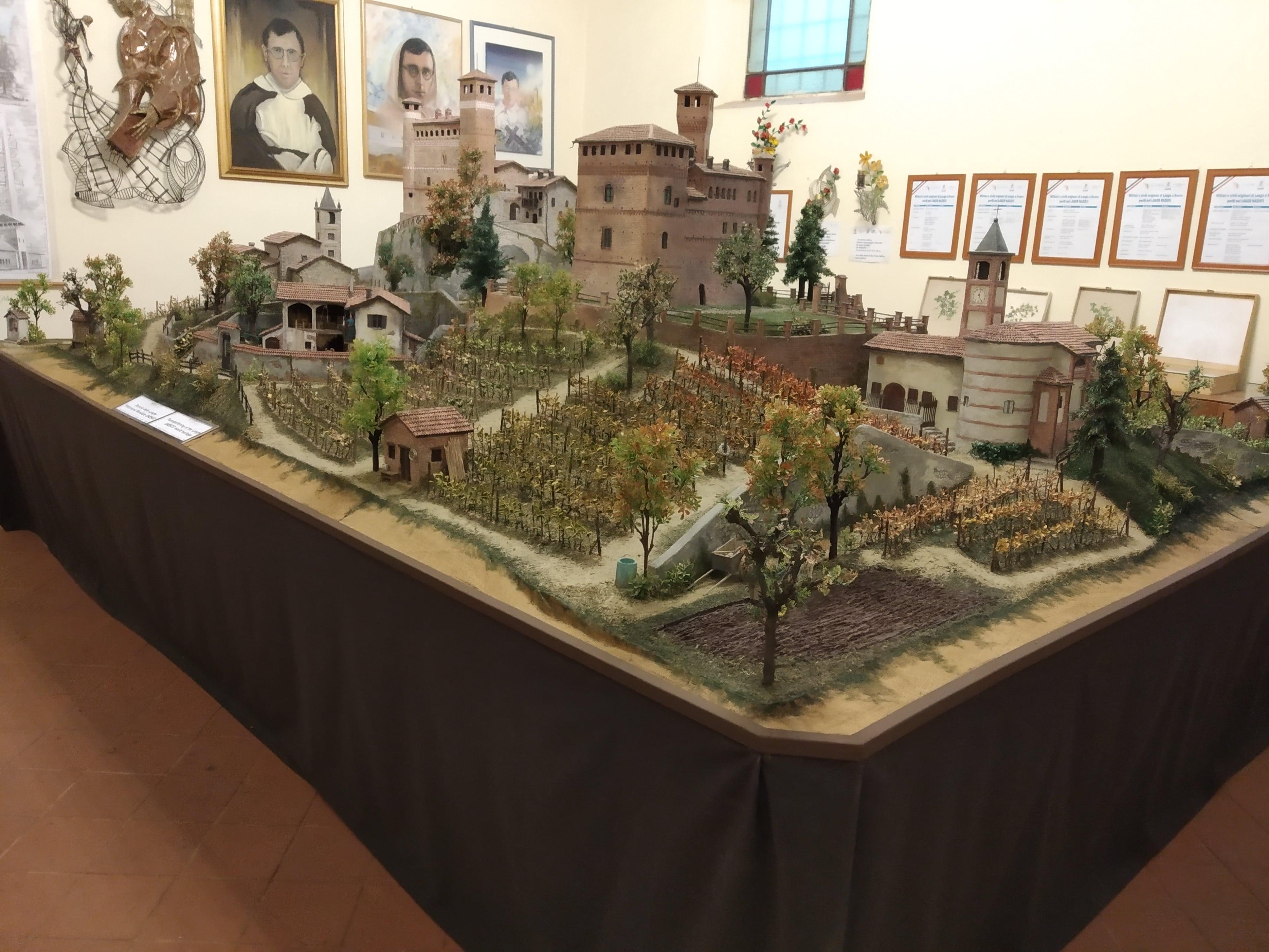 Il Castello di Grinzane Cavour ricostruito nel presepe di Angelo Proglio